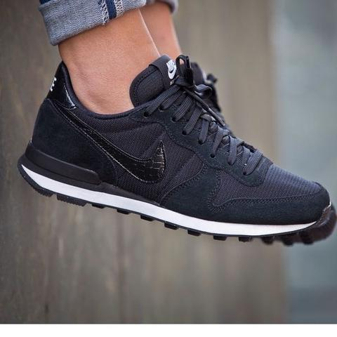nike internationalist schwarz