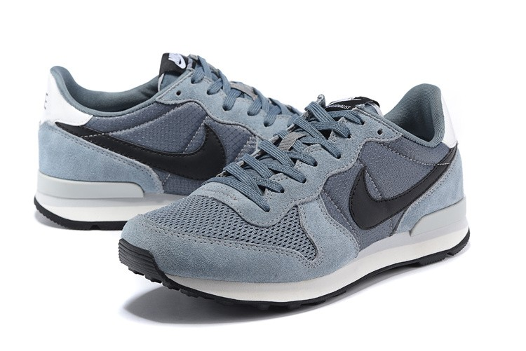 nike internationalist grau